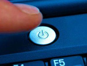 Có nên tắt máy tính thường xuyên hay không?