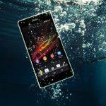 Điện thoại bị rơi vào nước bạn phải làm sao?