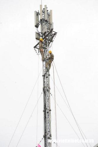 Triển khai thiết bị phát sóng 4G tại trạm