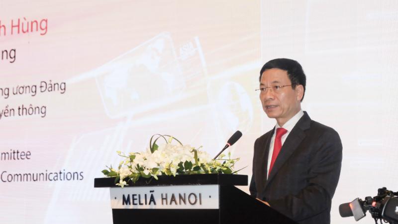 Bộ trưởng Bộ thông tin và Truyền thông – ông Nguyễn Mạnh Hùng