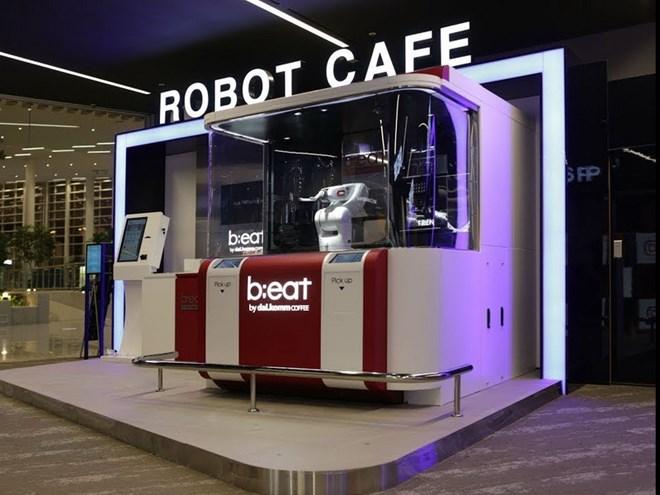 """Quán cà phê robot không người phục vụ """"B;eat"""""""